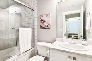 "Photo 23: 21038 77A Avenue in Langley: Willoughby Heights Condo for sale in ""IVY ROW"" : MLS®# R2474522"