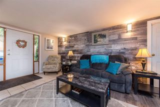 Photo 2: 8020 CEDAR Street in Mission: Mission BC House for sale : MLS®# R2514218