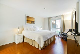 """Photo 15: 208 6 RENAISSANCE Square in New Westminster: Quay Condo for sale in """"CARNARVON TOWERS"""" : MLS®# R2525705"""