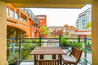 """Photo 23: 208 6 RENAISSANCE Square in New Westminster: Quay Condo for sale in """"CARNARVON TOWERS"""" : MLS®# R2525705"""