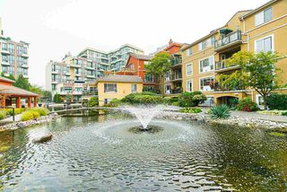 """Photo 1: 208 6 RENAISSANCE Square in New Westminster: Quay Condo for sale in """"CARNARVON TOWERS"""" : MLS®# R2525705"""