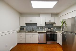 """Photo 12: 208 6 RENAISSANCE Square in New Westminster: Quay Condo for sale in """"CARNARVON TOWERS"""" : MLS®# R2525705"""