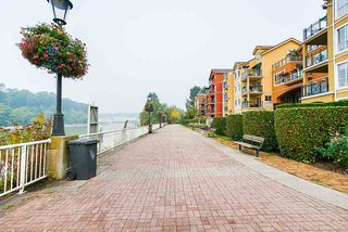 """Photo 30: 208 6 RENAISSANCE Square in New Westminster: Quay Condo for sale in """"CARNARVON TOWERS"""" : MLS®# R2525705"""