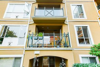 """Photo 29: 208 6 RENAISSANCE Square in New Westminster: Quay Condo for sale in """"CARNARVON TOWERS"""" : MLS®# R2525705"""