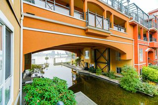 """Photo 25: 208 6 RENAISSANCE Square in New Westminster: Quay Condo for sale in """"CARNARVON TOWERS"""" : MLS®# R2525705"""