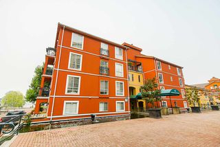 """Photo 3: 208 6 RENAISSANCE Square in New Westminster: Quay Condo for sale in """"CARNARVON TOWERS"""" : MLS®# R2525705"""