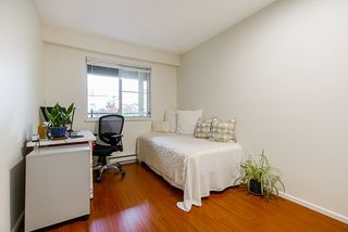 """Photo 18: 208 6 RENAISSANCE Square in New Westminster: Quay Condo for sale in """"CARNARVON TOWERS"""" : MLS®# R2525705"""