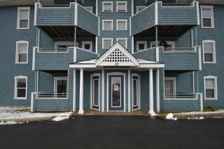 Photo 1: 123 20 Hammonds Plains Road in Bedford: 20-Bedford Residential for sale (Halifax-Dartmouth)  : MLS®# 202100172