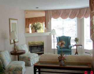 """Photo 3: 101 15941 MARINE DR: White Rock Condo for sale in """"THE HERITAGE"""" (South Surrey White Rock)  : MLS®# F2614837"""