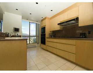 """Photo 5: PH 4 867 HAMILTON ST in Vancouver: Downtown VW Condo for sale in """"JARDINE'S LOOKOUT"""" (Vancouver West)  : MLS®# V601109"""