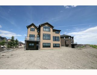 Photo 10: 34 Discovery Vista Point SW in CALGARY: Discovery Ridge Residential Detached Single Family for sale (Calgary)  : MLS®# C3335623