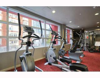 "Photo 8: 902 1211 MELVILLE Street in Vancouver: Coal Harbour Condo for sale in ""THE RITZ"" (Vancouver West)  : MLS®# V754705"