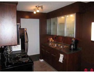 """Photo 2: 304 11816 88TH Avenue in Delta: Annieville Condo for sale in """"Sungod Villa"""" (N. Delta)"""