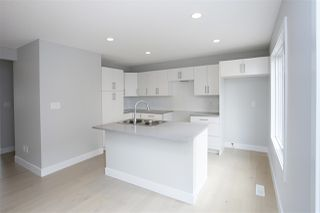 Photo 5: 46 2922 Maple Way in Edmonton: Zone 30 Townhouse for sale : MLS®# E4165264