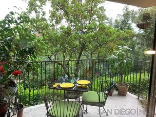 Photo 4: HILLCREST Condo for sale : 2 bedrooms : 4304 6th Avenue in San Diego
