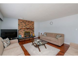 "Photo 5: 6264 181A Street in Surrey: Cloverdale BC House for sale in ""Hilltop"" (Cloverdale)  : MLS®# R2392010"