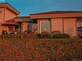 Photo 30: 8 934 Boulderwood Rise in VICTORIA: SE Broadmead Row/Townhouse for sale (Saanich East)  : MLS®# 828640