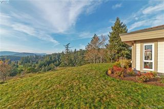 Photo 3: 8 934 Boulderwood Rise in VICTORIA: SE Broadmead Row/Townhouse for sale (Saanich East)  : MLS®# 417693