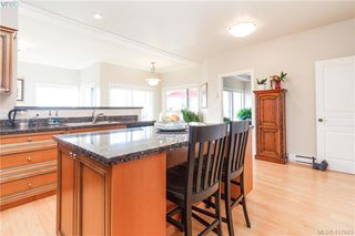 Photo 18: 8 934 Boulderwood Rise in VICTORIA: SE Broadmead Row/Townhouse for sale (Saanich East)  : MLS®# 417693