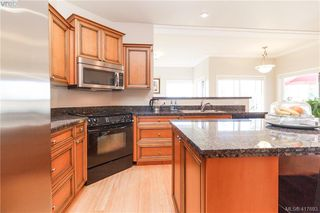 Photo 16: 8 934 Boulderwood Rise in VICTORIA: SE Broadmead Row/Townhouse for sale (Saanich East)  : MLS®# 828640