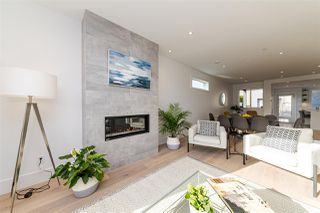 Photo 12: 208 E 22ND Street in North Vancouver: Central Lonsdale House 1/2 Duplex for sale : MLS®# R2427333