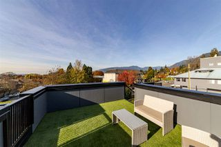 Photo 6: 208 E 22ND Street in North Vancouver: Central Lonsdale House 1/2 Duplex for sale : MLS®# R2427333