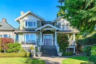 Main Photo: 1977 JEFFERSON Avenue in West Vancouver: Ambleside House for sale : MLS®# R2467588