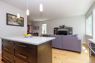Photo 11: 2943 Burlington Cres in Langford: La Langford Lake House for sale : MLS®# 839904