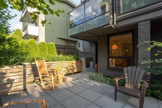 "Photo 3: 568 E 7TH Avenue in Vancouver: Mount Pleasant VE Condo for sale in ""8 ON 7"" (Vancouver East)  : MLS®# R2487538"