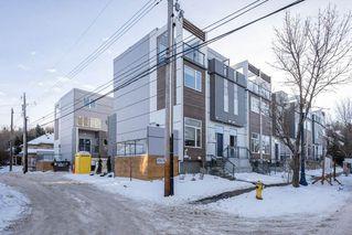 Photo 2: 6 9745 92 Street in Edmonton: Zone 18 Townhouse for sale : MLS®# E4223409