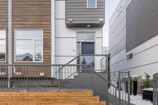Photo 3: 6 9745 92 Street in Edmonton: Zone 18 Townhouse for sale : MLS®# E4223409