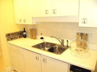 "Photo 7: 216 1345 W 15TH Avenue in Vancouver: Fairview VW Condo for sale in ""SUNRISE WEST"" (Vancouver West)  : MLS®# V819501"
