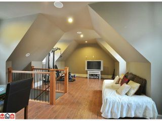 "Photo 7: 23157 80TH Avenue in Langley: Fort Langley House for sale in ""CASTLE HILL/FOREST KNOLLS"" : MLS®# F1014538"