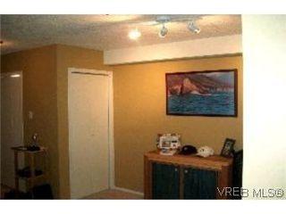 Photo 7: 111 545 Manchester Road in VICTORIA: Vi Burnside Condo Apartment for sale (Victoria)  : MLS®# 208238