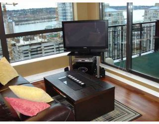 Photo 3: 1107 813 AGNES Street in New_Westminster: Downtown NW Condo for sale (New Westminster)  : MLS®# V768425