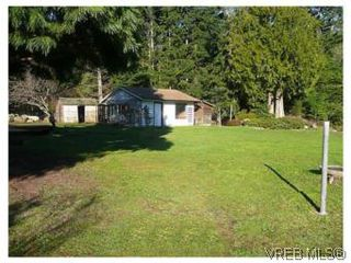 Photo 2: 3218 Clam Bay Rd in PENDER ISLAND: GI Pender Island Single Family Detached for sale (Gulf Islands)  : MLS®# 506053