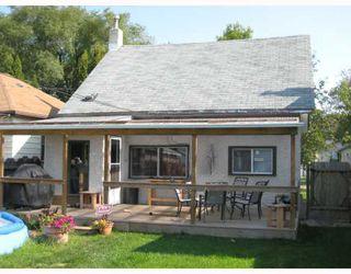 Photo 2: 457 DE LA MORENIE Street in WINNIPEG: St Boniface Residential for sale (South East Winnipeg)  : MLS®# 2818036