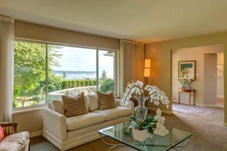 Photo 2: 3059 SPENCER Court in West Vancouver: Altamont House for sale : MLS®# R2391989