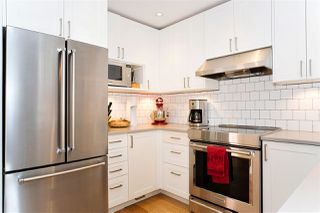 Photo 1: 216 555 W 14TH AVENUE in Vancouver: Fairview VW Condo for sale (Vancouver West)  : MLS®# R2447183