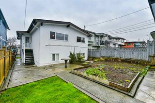 Photo 16: 3256 GRANT STREET in Vancouver: Renfrew VE House for sale (Vancouver East)  : MLS®# R2443230