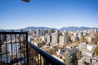 "Main Photo: 1801 1330 HARWOOD Street in Vancouver: West End VW Condo for sale in ""WEST SEA TOWERS"" (Vancouver West)  : MLS®# R2467927"