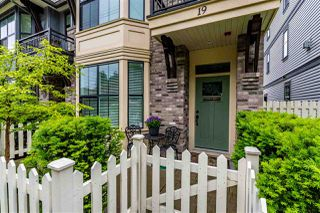 """Photo 3: 19 33460 LYNN Avenue in Abbotsford: Abbotsford East Townhouse for sale in """"ASTON ROW"""" : MLS®# R2476784"""