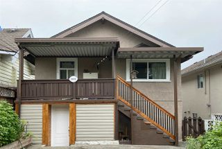 Photo 3: 2822 DUNDAS Street in Vancouver: Hastings Sunrise House for sale (Vancouver East)  : MLS®# R2499556