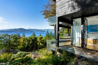 """Main Photo: 345 BAYVIEW Place: Lions Bay House for sale in """"Village of Lions Bay"""" (West Vancouver)  : MLS®# R2514674"""