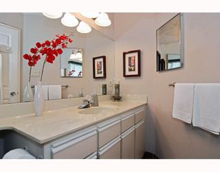 "Photo 6: 306 1055 W 13TH Avenue in Vancouver: Fairview VW Condo for sale in ""OAK WEST"" (Vancouver West)  : MLS®# V807806"