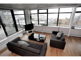 """Photo 1: 1109 108 W CORDOVA Street in Vancouver: Downtown VW Condo for sale in """"WOODWARDS 32"""" (Vancouver West)  : MLS®# V842896"""