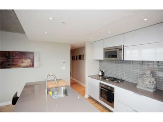 """Photo 4: 1109 108 W CORDOVA Street in Vancouver: Downtown VW Condo for sale in """"WOODWARDS 32"""" (Vancouver West)  : MLS®# V842896"""