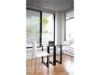 """Photo 3: 1109 108 W CORDOVA Street in Vancouver: Downtown VW Condo for sale in """"WOODWARDS 32"""" (Vancouver West)  : MLS®# V842896"""