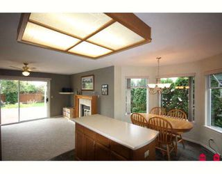 """Photo 2: 18636 62A Avenue in Surrey: Cloverdale BC House for sale in """"Eaglecrest"""" (Cloverdale)  : MLS®# F2826073"""