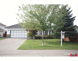 """Photo 1: 18636 62A Avenue in Surrey: Cloverdale BC House for sale in """"Eaglecrest"""" (Cloverdale)  : MLS®# F2826073"""